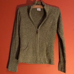 Colombia brand zip up sweater with pockets xs